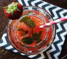 Aardbeien mocktail. Recept op It's Pure Food.