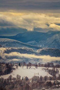 Fairytale morning in Parang Mountains - Transylvania  (Photo: Razvan Vitionescu)