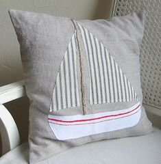 Regatta pillow cover making this Diy Pillows, Custom Pillows, Decorative Pillows, Throw Pillows, Shabby Chic Campers, Fabric Fish, Nautical Quilt, Big Boy Bedrooms, Seaside Decor