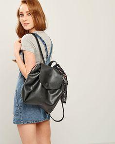 LEATHERETTE ΣΑΚΙΔΙΟ ΠΛΑΤΗΣ Fashion Backpack, Spring Summer, Backpacks, Bags, Collection, Handbags, Backpack, Backpacker, Bag