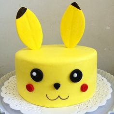 ▷ 1001 + ideas for a beautiful Pokemon cake for your birthday child - here is an idea for a yellow pokemon cake a yellow pokemon being with red cheeks and black eyes - Bolo Pikachu, Pikachu Cake, Pokemon Torte, Pokemon Pokemon, Pokemon Birthday Cake, Birthday Cakes, Themed Cakes, Party Cakes, Eat Cake