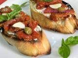 Rețetă Bruschete cu roșii uscate și busuioc Bruschetta, Mozzarella, Baked Potato, Potatoes, Baking, Ethnic Recipes, Food, Salads, Potato