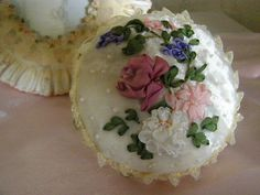 I ❤ ribbon embroidery & pincushions . . .  Gallery.ru