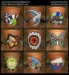 Mosaic images on clay flower pots Mosaic Planters, Mosaic Garden Art, Mosaic Vase, Mosaic Flower Pots, Painted Flower Pots, Painted Pots, Mosaic Tiles, Mosaics, Mosaic Crafts