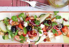 Uma combinação infalível de sabores. Uma festa para os sentidos que inclui frutos secos, legumes, fruta fresca e queijo