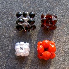 Free Beading Pattern - 12-Bead Crystal Bead Ball by Chris Prussing at Bead-Patterns.com