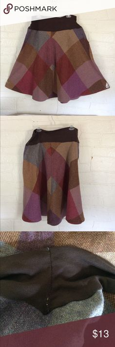 Plus Size Vintage Wool Fall Skirt Knee Length I think someone sewed the stretchy brown Waist into this skirt so that it will be really comfy! It's so perfect for fall!! 🍁 Waist 45 inches - stretches to 42 inches. 🍁 Length 27.5 inches Unbranded Skirts Midi