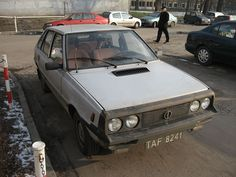 File:Grey FSO Polonez MR'87 1.5 SLE at the Physics, Astronomy and Applied Computer Science department of the Jagiellonian University (3).jpg