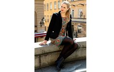 Pattern meets classics. Dress Triss and blazer Sigge. Both in boiled wool.