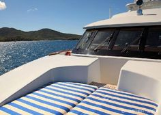 Foredeck Sunpad - VICTORIA DEL MAR Yacht Charter