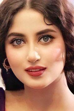 Beautiful Girl Indian, Beautiful Girl Image, Beautiful Eyes, Old Man Portrait, Female Portrait, Stylish Girl Images, Beautiful Women Pictures, Prity Girl, Exotic Women