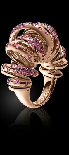 de Grisogono | LBV ♥✤ I love this ring. If it was silver I would love it more. Beautiful ring though.