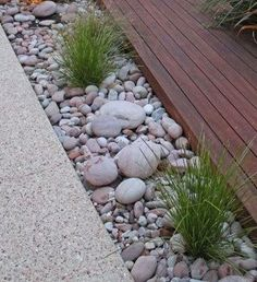 Landscape Design Images Photos - Lilly is Love Pebble Garden, Boulder Garden, Small Yard Landscaping, Stone Landscaping, Beach Gardens, Outdoor Gardens, Garden Borders, Garden Landscape Design, Garden Inspiration