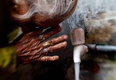 22 marzo: World Water Day. Qualche dato e le campagne di sensibilizzazione. World Water Day, Spa, What Is Love, Marie Claire, Drinking, Artsy, Cold, Feelings, Beauty