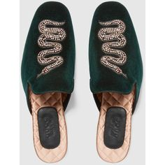 Gucci Velvet evening slipper with snake ($980) ❤ liked on Polyvore featuring shoes and slippers