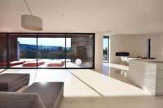 maison 6 pièces en vente sur GORDES (84220) Luberon Provence, South Of France, Houses, Modern, Room, Furniture, Home Decor, Homes, Bedroom