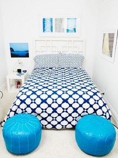 loving the blue in this teen room