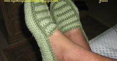 Needles and Brushes: Shoe crochet adult male Crochet Boots Pattern, Crochet Adult Hat, Crochet Baby Booties, Crochet Art, Crochet Slippers, Irish Crochet, Free Crochet, Crochet Patterns, Knitting Stitches