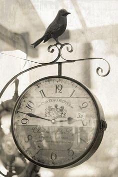 b & w clock