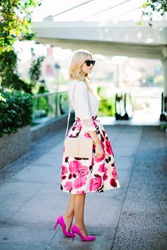 Spring Fashion: a-line pink, white, and red floral midi skirt, white dressy shirt, hot pink pumps and blush YSL shoulder handbag. Look Fashion, Spring Fashion, Womens Fashion, Jw Fashion, Petite Fashion, Curvy Fashion, Fashion Ideas, Fashion Trends, Cute Spring Outfits
