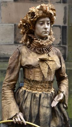 Tour Scotland photograph of a Living Statue on visit to the Festival Fringe in Edinburgh