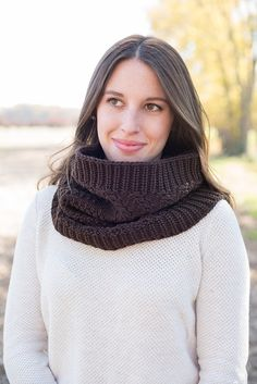 Knit hoood, knit hooded cowl, oversized knit cowl, Knitted snood, knit cowl, wool knit cowl, knit cowl scarf, hooded Scarf,  brown knit cowl