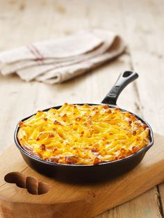 This is the shortcut version: no cheese sauce, but a gorgeously huge amount of cheese, bound with egg and evaporated milk. Yum.