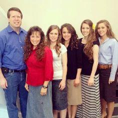 The Duggar Family. Jim Bob, Michelle, Jana, Jinger, Jill, and Jessa.