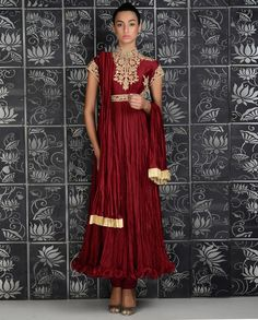 Rohit Bal Brick Red Crinkled Anarkali Suit with Dori Embroidery Indian Anarkali, Anarkali Suits, Pakistani Outfits, Indian Outfits, Pakistani Clothing, Indian Look, Indian Wear, Kurta Patterns, Rohit Bal