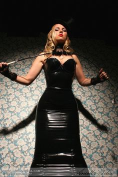 psyfemme: As ringmaster of your own circus, you determine who performs which act. Obviously the clown troupe has many members, but how is one supposed to allocate a male to any of the other roles? Dress Skirt, Bodycon Dress, Latex Dress, Sexy Latex, Latex Girls, Tights Outfit, Latex Fashion, Guys And Girls, Cool Girl