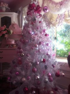 Love my Pink decorated tree <3