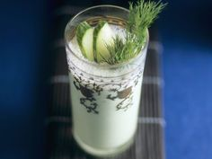 Gurkendrink mit Wasabi - smarter - Zeit: 15 Min. | eatsmarter.de Wasabi verleiht dem Smoothie Würze.