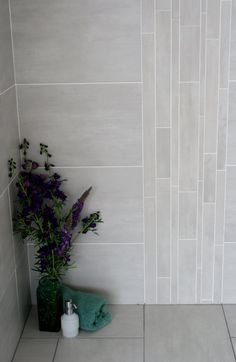 Quality Spanish porcelain tile, available with a matching feature tile. A very sleek, minimalistic look, with a natural feel, available form www.cavtiles.co.uk