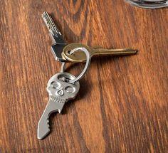Přívěsek na klíče otvírák lebka Usb, Personalized Items