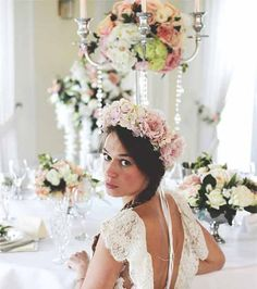 The Blossom Company are currently working on a new range which has a more gothic feel to it which I just cannot wait to see!  Now for the most exciting news of all, Izabella is offering an AMAZING offer which is completely exclusive to hitched.co.uk brides…  She is offering the floral arch at a reduced price of £1,400 and even better than that, the first 10 brides who book through hitched get 50% off discount on ALL hire pieces.  The bigger the package, the bigger the discount that can be…