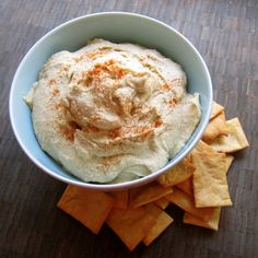 Hummus is one of the easiest, most delicious snacks in the WORLD. It's awesome as a dip, in sandwiches or in a pita with falafel. It's also pretty easy to get it wrong. Do you want to know how to make the best hummus?