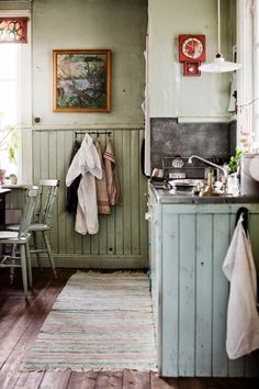 Kitchen. Home of Peter Flinck och Jonas Ahlin in Sweden. Styling by Johanna Flyckt Gashi. Photo by Lina Östling.