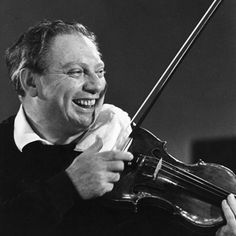 I've come across few individuals as ebullient, in their basic personalities, as Isaac Stern -- it showed in his fiddling, he was really fun to hear. Classical Music Composers, Amadeus Mozart, Famous Musicians, Folk Music, Famous Faces, Violin, Famous People, Music Instruments, Celebrity