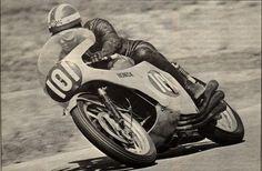 Embedded image permalink Motorcycle Racers, Racing Motorcycles, Vintage Motorcycles, Classic Bikes, Road Racing, Vintage Racing, Embedded Image Permalink, Motorbikes, Honda