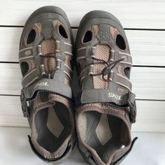 f459bcd37 Teva Omnium Men s Sandals Athletic Closed Toe Size US 8 Bungee Cord 6148  Brown