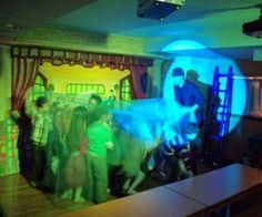 Εφηβικά πάρτυ 7-12 χρονών. Αποκλειστική χρήση του χώρου (επιλέξτε ανάμεσα από 2 θεματικές αίθουσες), χρήση disco,dj, φωτορυθμικά, ρομποτικά, θεματικά - διαδραστικά πάρτυ με χρήση ηθοποιού....