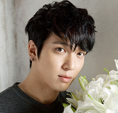 HAPPY BIRTHDAY: 10 Times Yonghwa made us swoon
