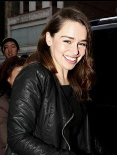 Emilia Clarke, Clarke Game Of Thrones, Razzle Dazzle, Mother Of Dragons, Khaleesi, Girl Face, Celebrity, Celebs, Actresses