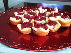 Goat Cheese-Cranberry Appetizer DIRECTIONS: ~Cut out square of puff-pastry and put at bottom of mini muffin/cupcake tin ~Lay goat cheese over pastry ~Sprinkle cranberries on top ~Bake at 375 for 15 minutes Cranberry Cheese, Mini Muffins, Goat Cheese, Sprinkles, French Toast, Muffin Cupcake, Appetizers, Menu, Cranberries