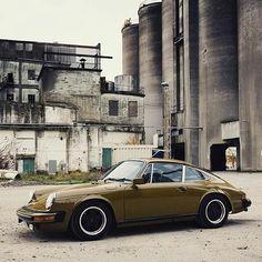 1977 911S Via: @revgpjournal #DriveVintage #classiccarvoyage #aircooledporsche . #porsche #germancars #germancar #356 #porsche356 #classic911 #porsche911 #porsche #petrolicious #classiccar #classiccars #vintagecar #vintagecars #retrocar #retrocars #classicporsche #911 #carspotting #930 #964 #carrera #targa #singervehicledesign #356speedster #carrerars