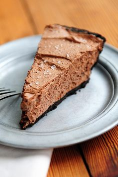 Baileys Salted Caramel Chocolate Pie is a super easy dessert and perfect for the holidays!