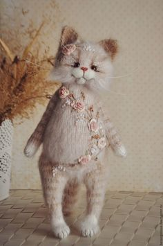 Knitted Cat with Embroidery | Вязаный котик с вышивкой