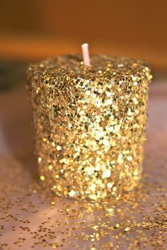 New Years Eve Party Ideas -- DIY Glitter Candles. #NewYearsEvePartyIdeas #NewYearsParty #NYE