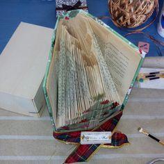 Dando los últimos retoques a uno de nuestros libros artísticos.