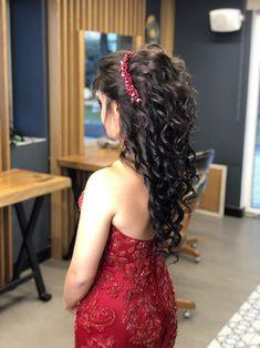 Başak Kuaför Makeup- Başak Kuaför Makyaj Bridal Hair and Makeup Models - Blonde Hair Makeup, Bridal Hair And Makeup, Wedding Makeup, Wedding Tiara Hairstyles, Bride Hairstyles, Cute Hairstyles, Curly Hair Styles, Natural Hair Styles, Graduation Makeup